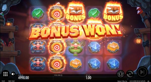 Rocket Fellas Inc slot game Bonus game