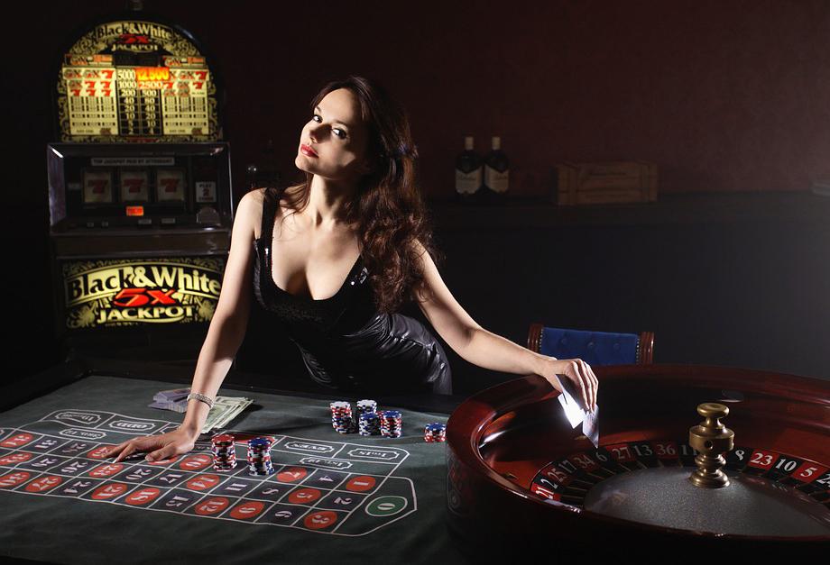 Live kasiino krupjee naine